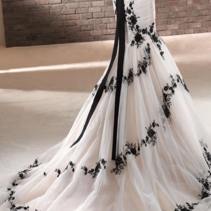 Gothic Wedding Dresses Plus Size: Gothic Wedding Dresses Plus Size