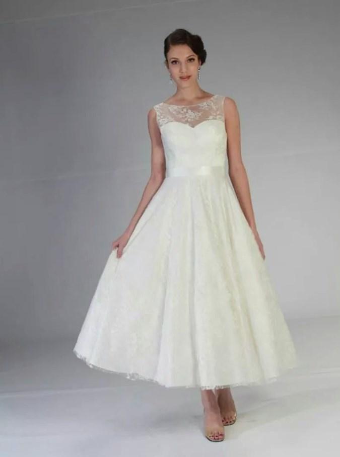 Flattering Wedding Dresses For Plus Size Women Pluslook