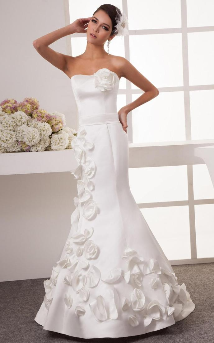 Plus Size Wedding Dress 3193 Embroidered Lace Bodice onto the Soft Net Ball Gown Skirt with