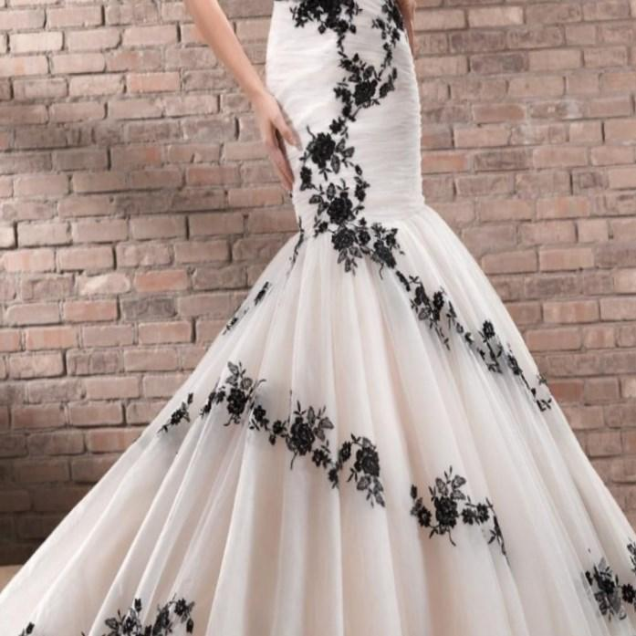 Vintage Black Lace Ball Gown Gothic Wedding Dresses Plus Size