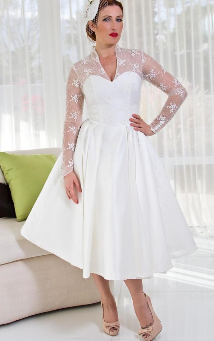 Plus size wedding dresses with sleeves tea length for Tea length lace wedding dress with sleeves