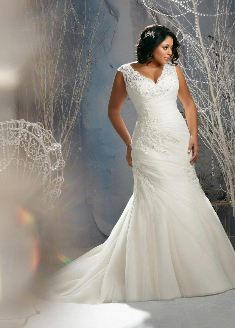Plus size ivory wedding dresses collection for Wedding dresses size 14