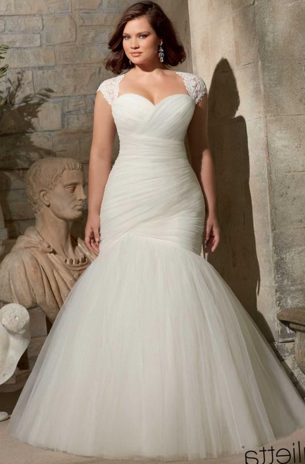 Wedding dresses for plus size woman collection for Best wedding dresses for short fat brides