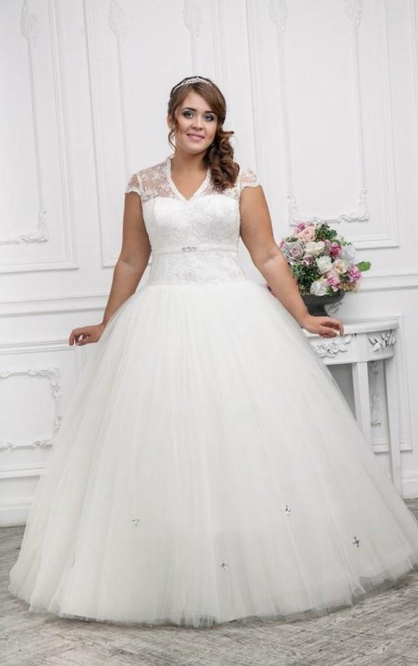 best wedding dress styles for plus size