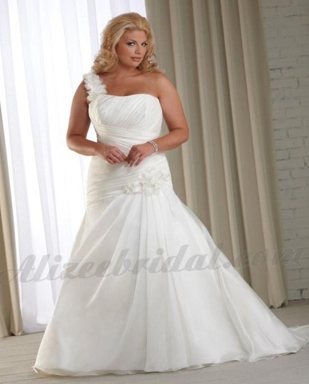 One shoulder plus size wedding dress - PlusLook.eu Collection