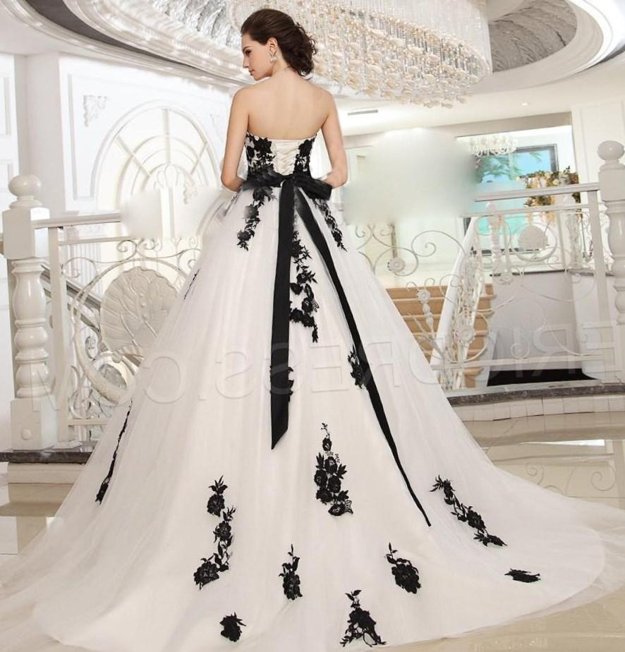 Black plus size wedding dresses collection for Wedding dresses white and black