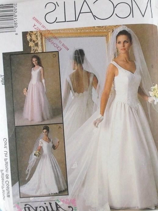 Mccalls plus size wedding dress patterns discount for Wedding dress patterns plus size