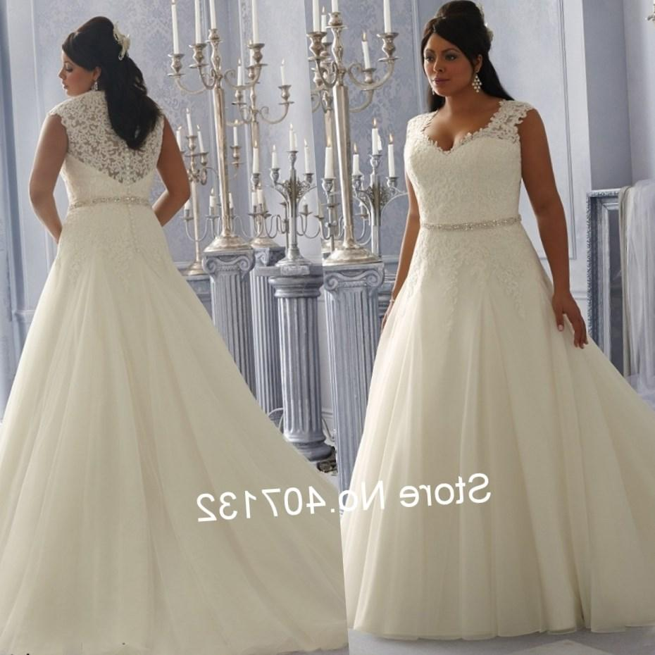 White lace wedding dress plus size