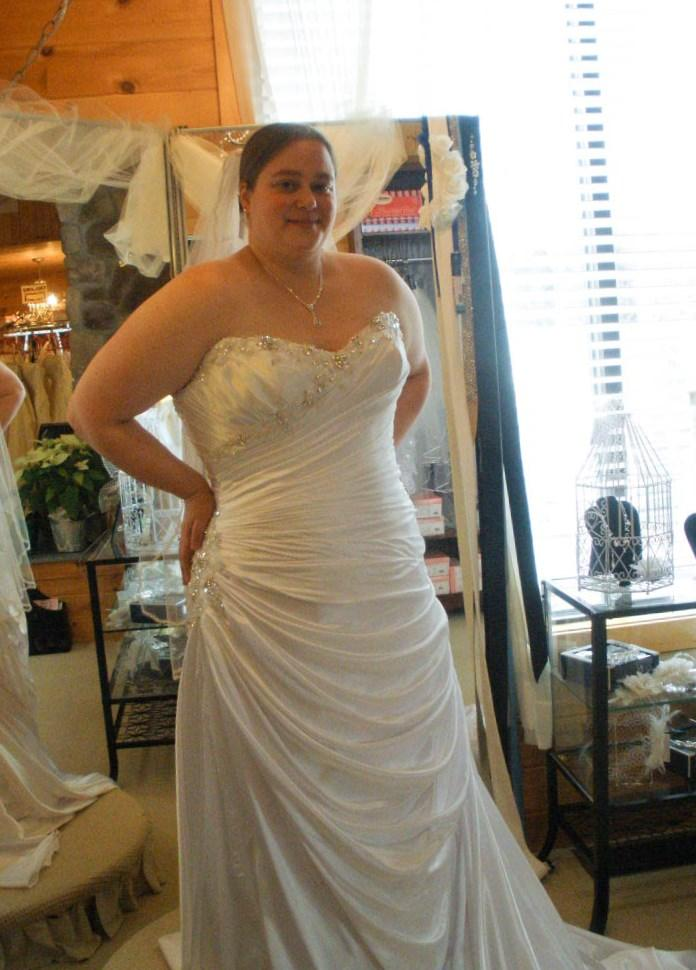 Wedding Dresses For Apple Shape. Excellent Round Apple Body Shape ...