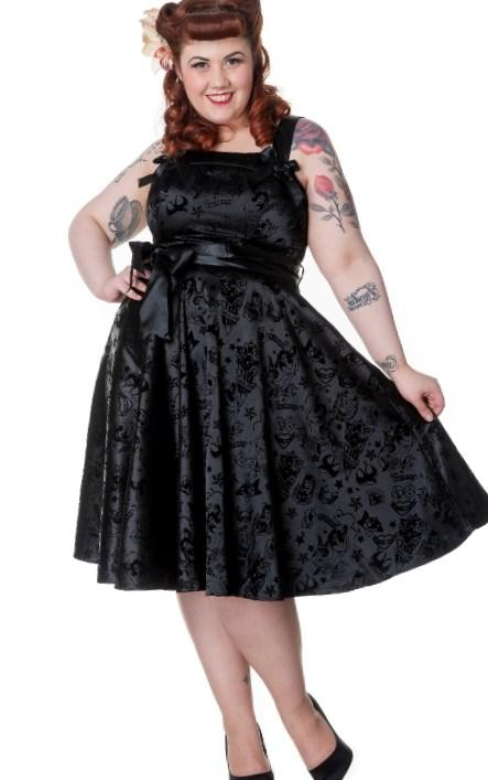 Plus Size Fashion Find: Gothic Black Skull Lace Overlay Dress from Mystic Crypt