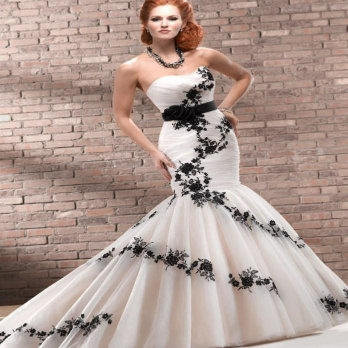 2017 Fashion Black And White Wedding Dresses Plus Size Strapless Bridal Gowns Draped Beading Sequins Noble Princess Wedding Gowns Cheap WZ