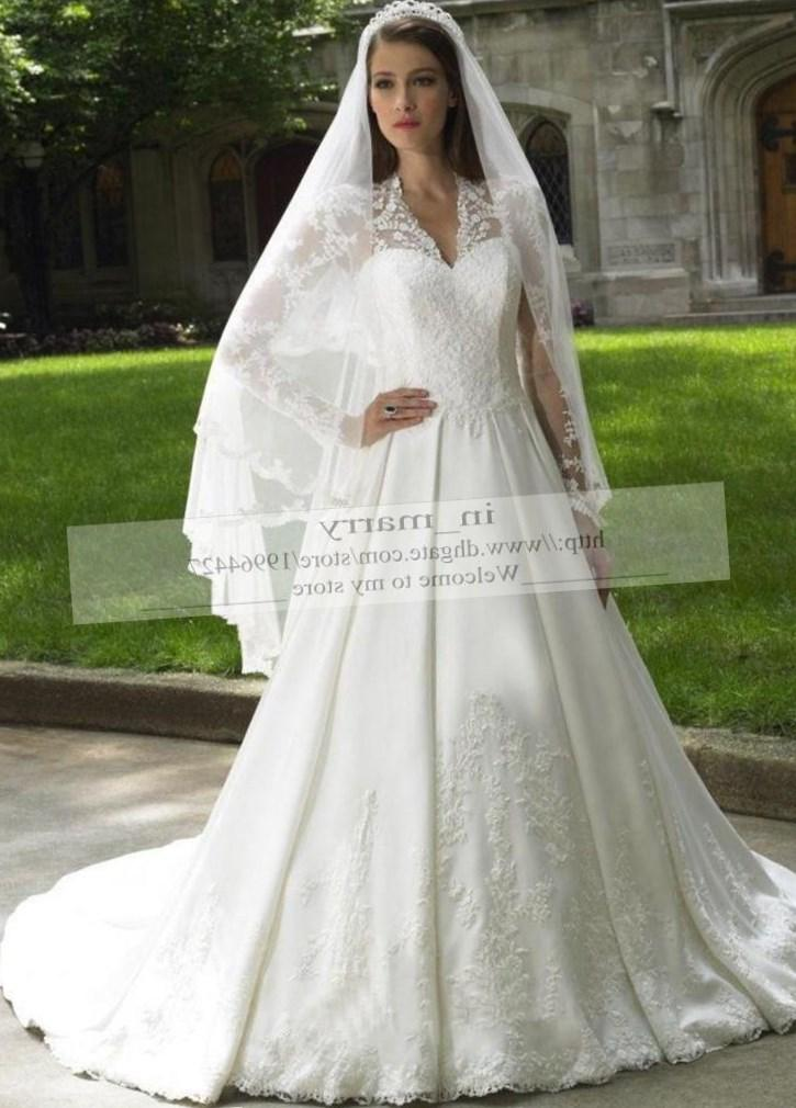 Plus size modest wedding dress - PlusLook.eu Collection