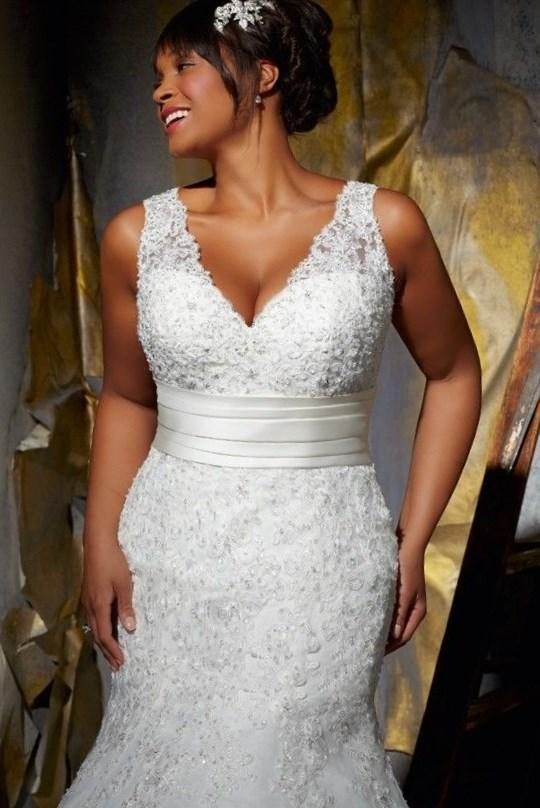 Plus Size Scoop Beading and Ruching Backless 2017 White Prom Dress