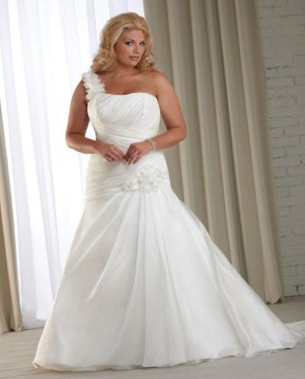 Plus-Size Wedding Dresses. 20 Gorgeous Wedding Gowns For Curvy Girls