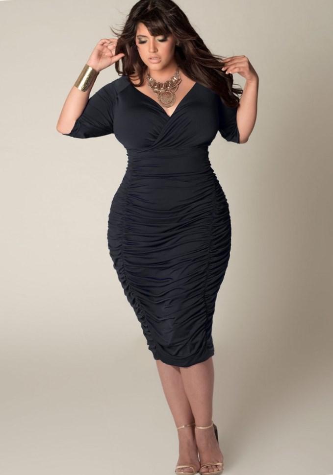 How to wear a plus size dress