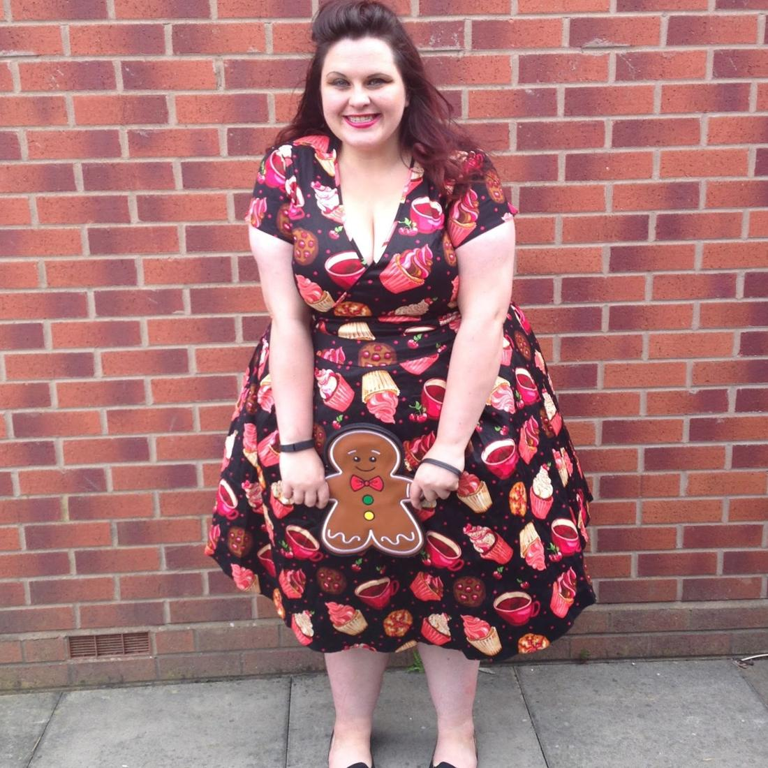 kathastrophal.de | Plus Size Outfit, wearing a cream cupcake dress by Lady V